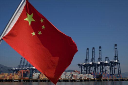 Китайцы раздают кредиты по всему миру, превращая целые страны в колонии